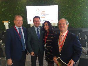 Con Juan Espadas, alcalde de Sevilla, y miembros de Funddatec